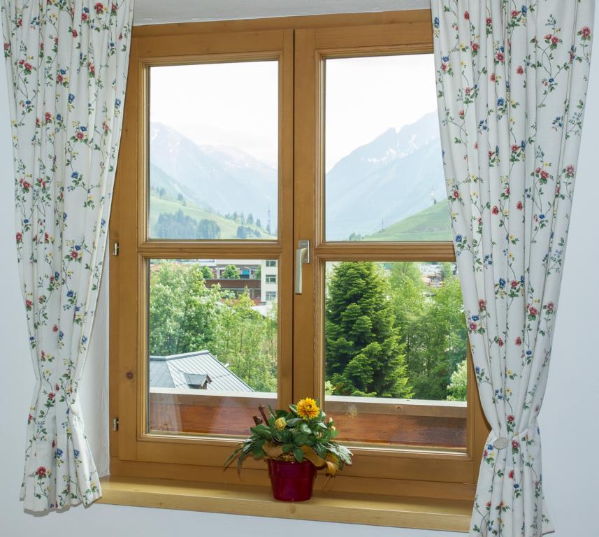 Appartement Sonnenblume Schlafzimmer 2 Landhaus Antonia